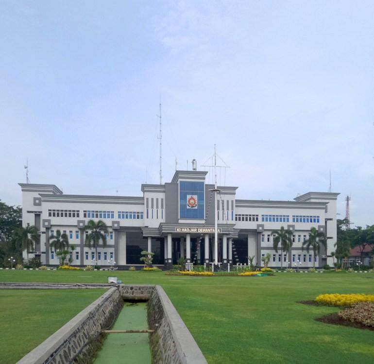 akademi angkatan laut surabaya