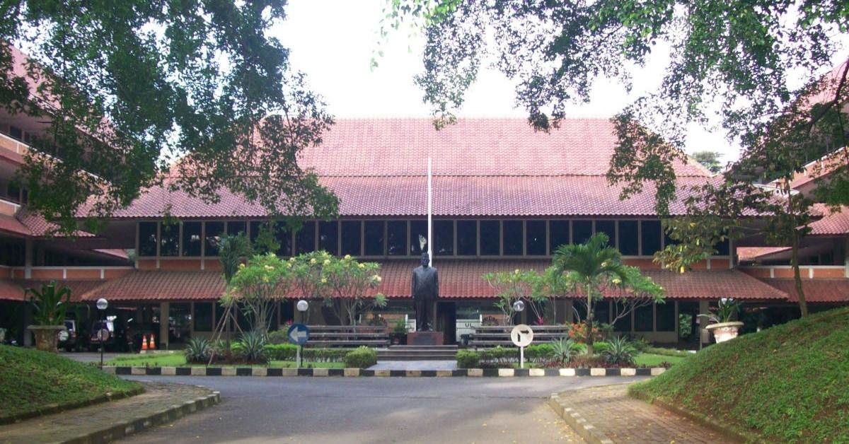 fakultas hukum terbaik di indonesia