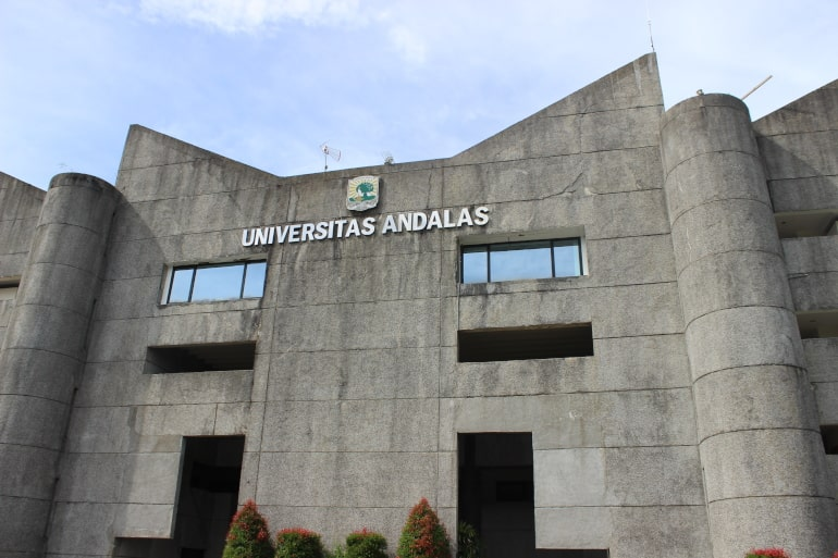 gedung rektorat universitas andalas