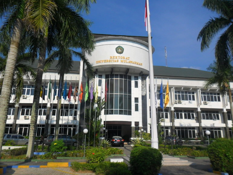 universitas di kalimantan timur
