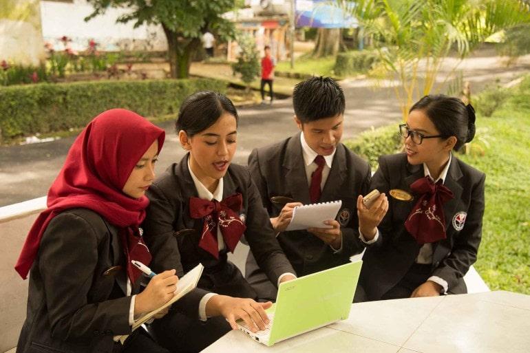 mahasiswa jurusan pariwisata