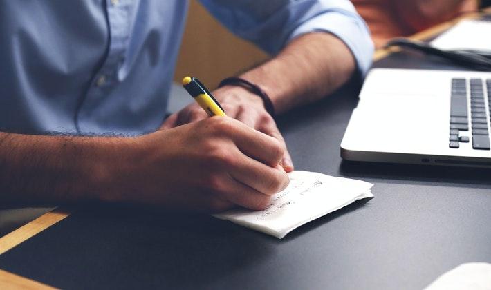 menulis daftar