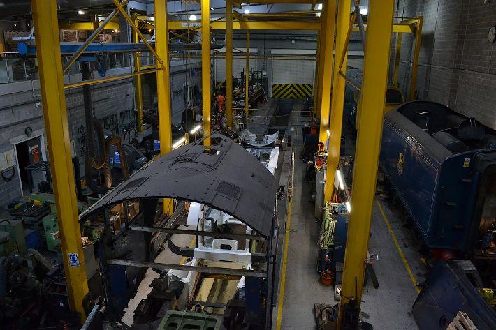 suasana di sebuah pabrik