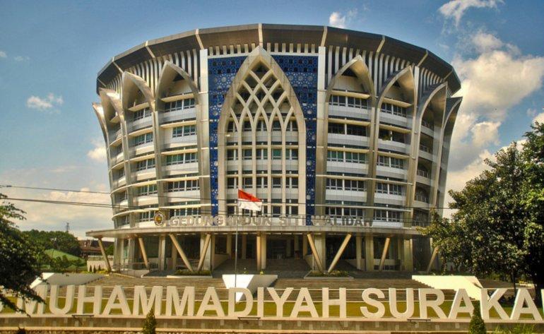 UMS peringkat 7 universitas swasta terbaik di Indonesia