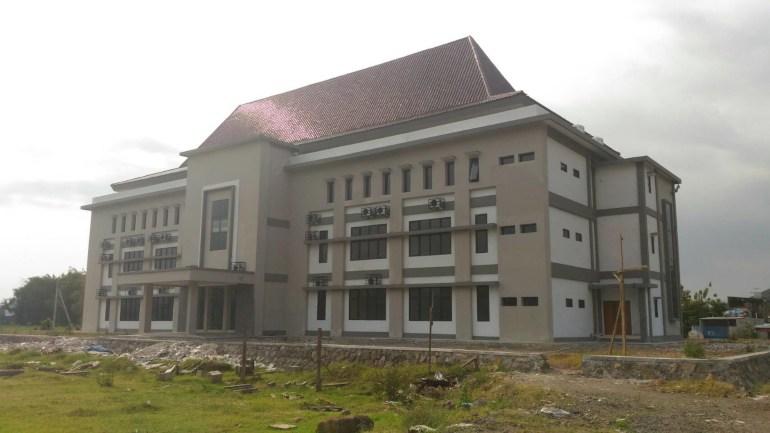salah satu universitas negeri di kediri